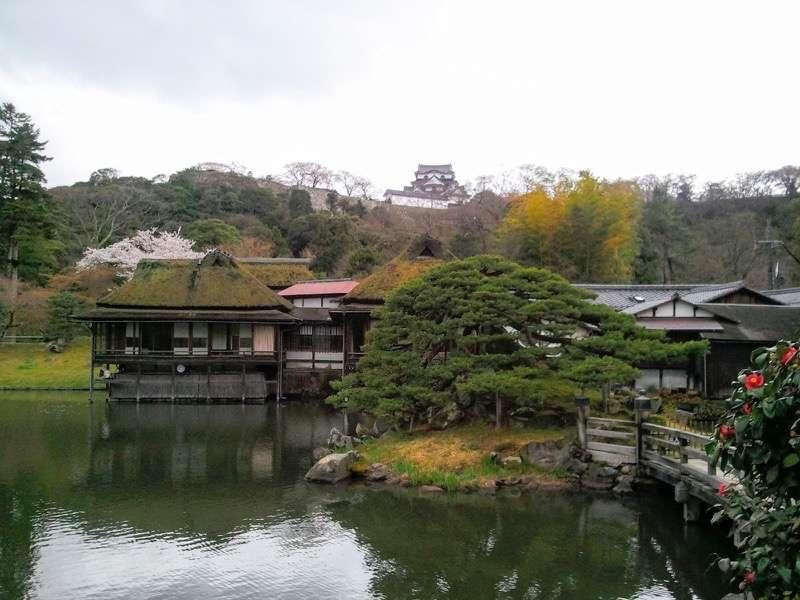 彦根城 玄宮園と天守