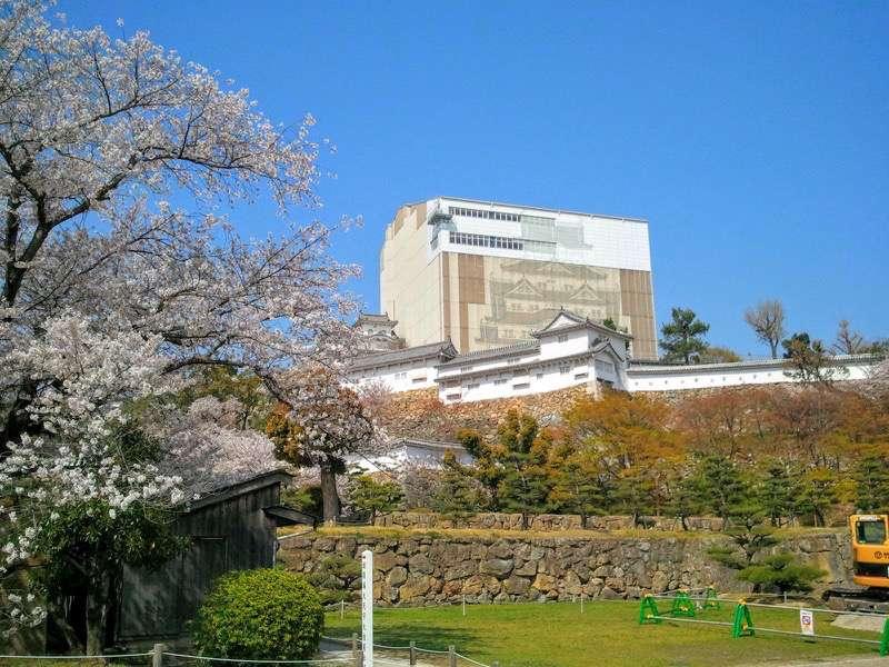 姫路城 三の丸広場より3