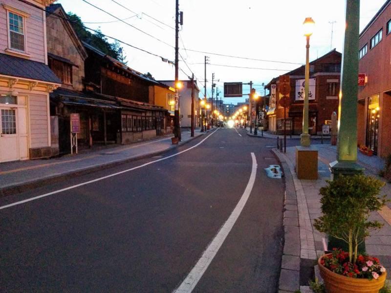 小樽 夕暮れの堺町商店街2