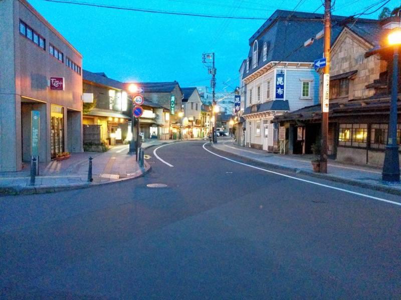 小樽 夕暮れの堺町商店街1