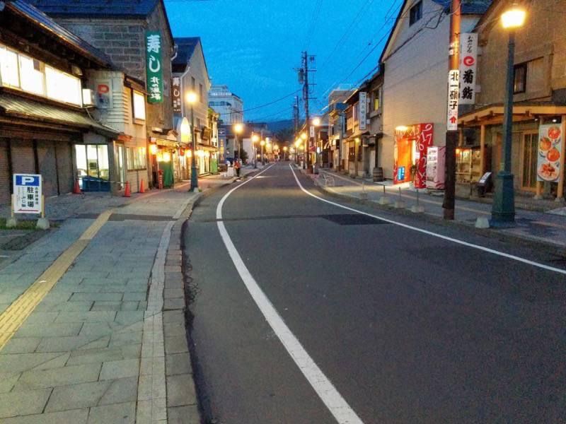 小樽 夕暮れの堺町商店街3