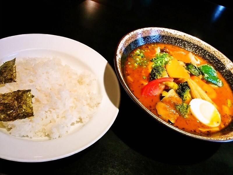 カレー食堂心 17種の野菜スープカレー