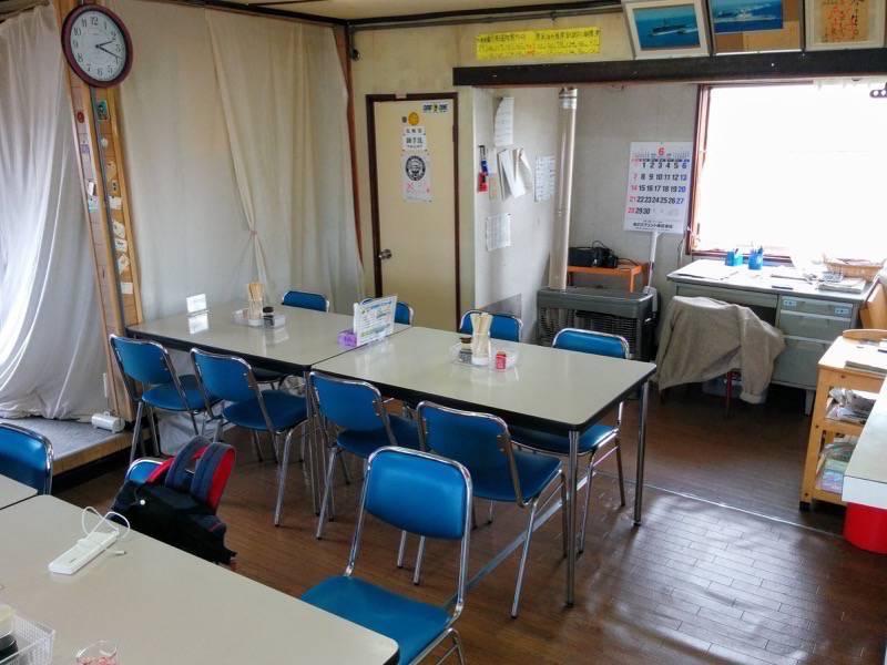 鈴木食堂 テーブル席