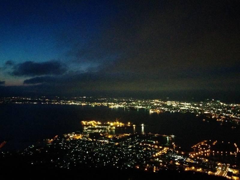 函館山 少し明るさが残る夜景2