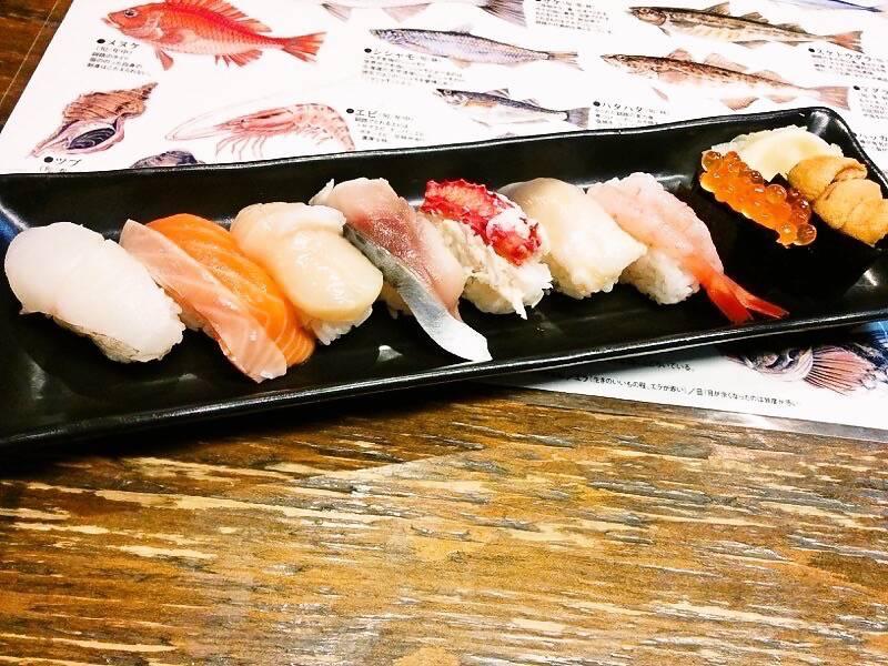 ブう~ にぎり寿司盛り合わせ1