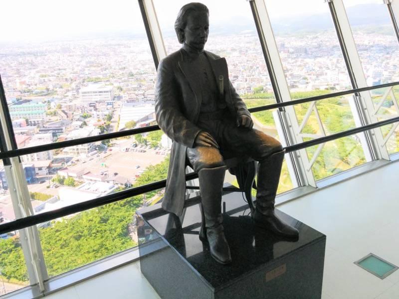 五稜郭タワー 土方歳三銅像展望階