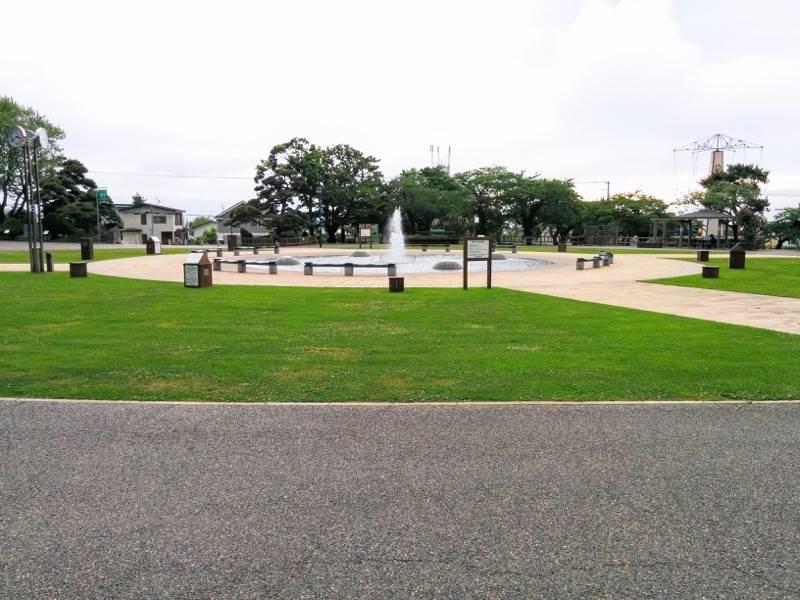函館公園 広場1