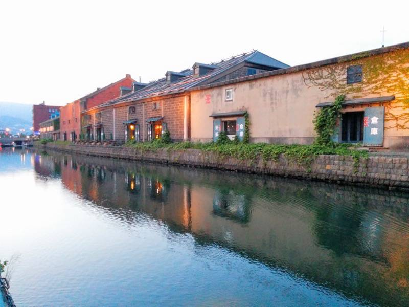 小樽 夕暮れの小樽運河2