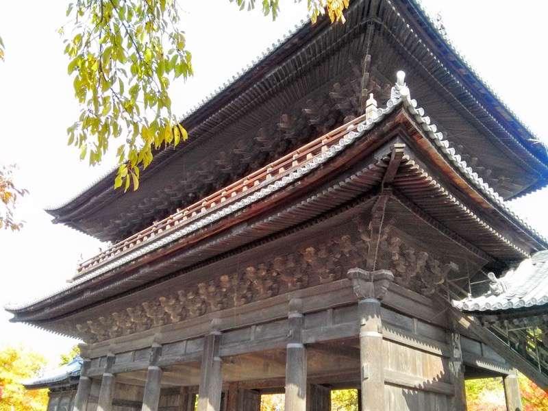 南禅寺 三門右斜め下から