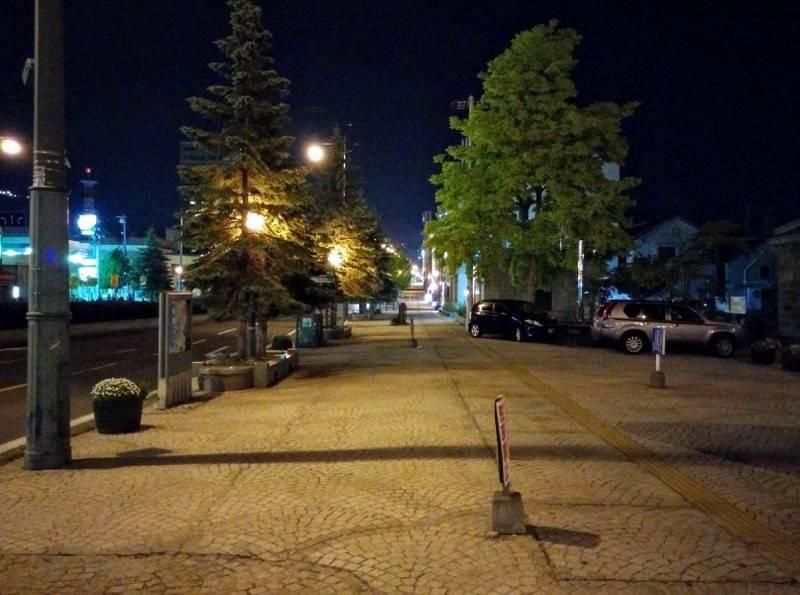 小樽 夜の中央通り2