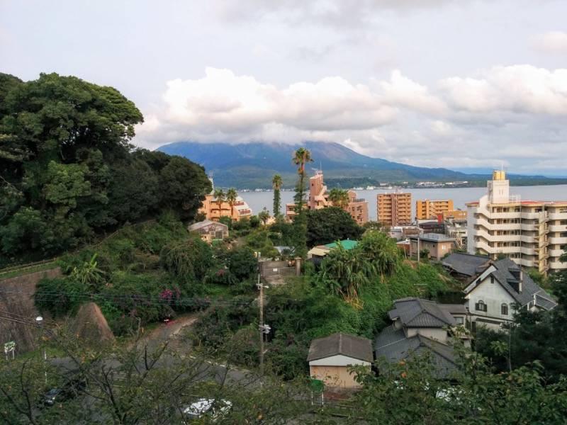 多賀山公園 東福寺城跡出口から見た桜島