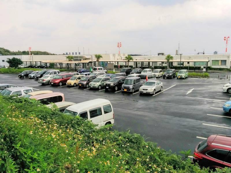 屋久島空港 駐車場