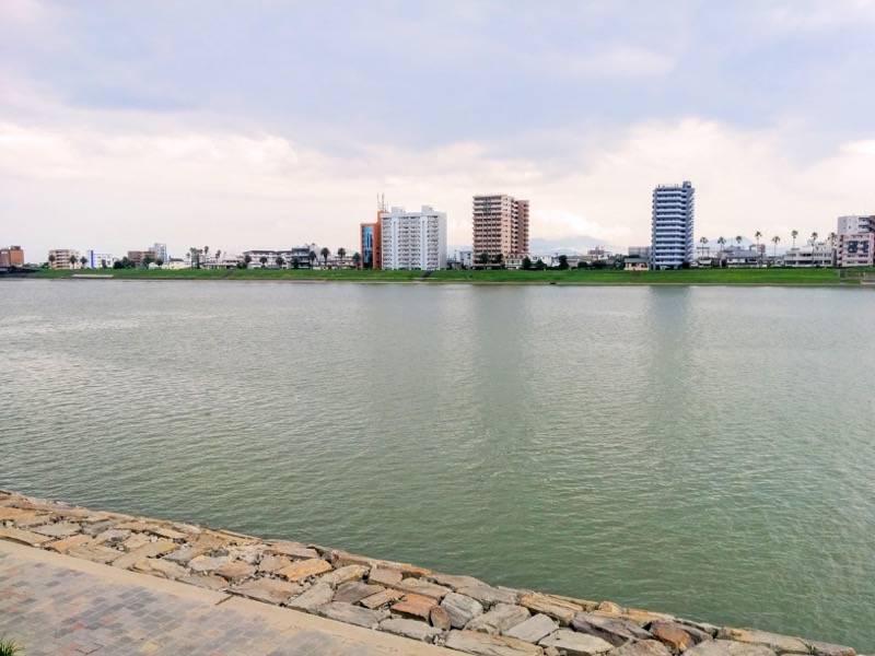 橘公園 公園から見た大淀川