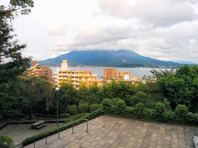 多賀山公園 東郷元帥墓付近から見た桜島