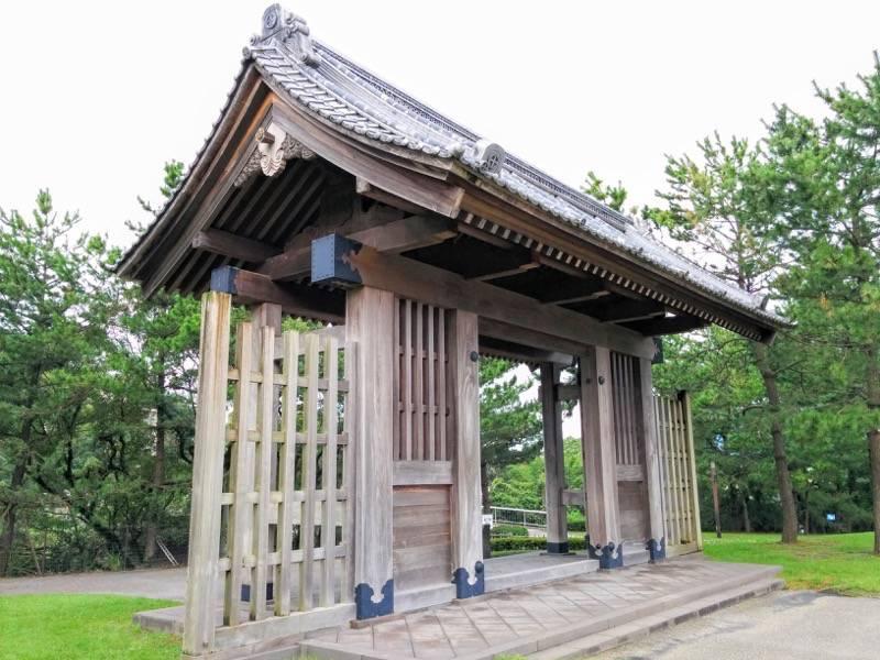 石橋記念公園 西田橋御門1