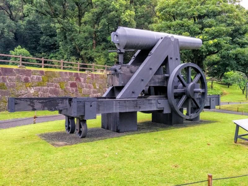 仙巌園 鉄製150ポンド砲復元