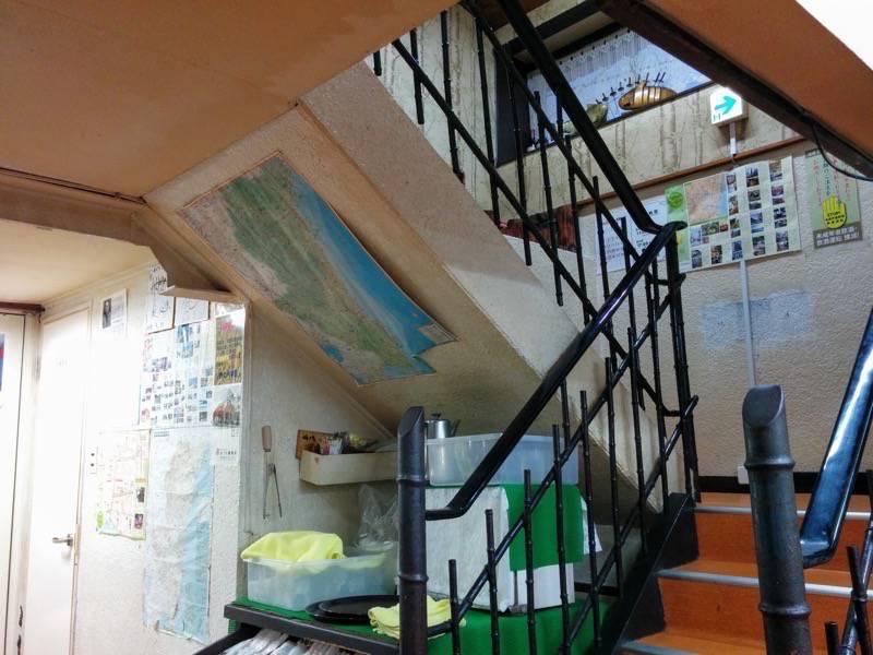 おぐら本店 階段