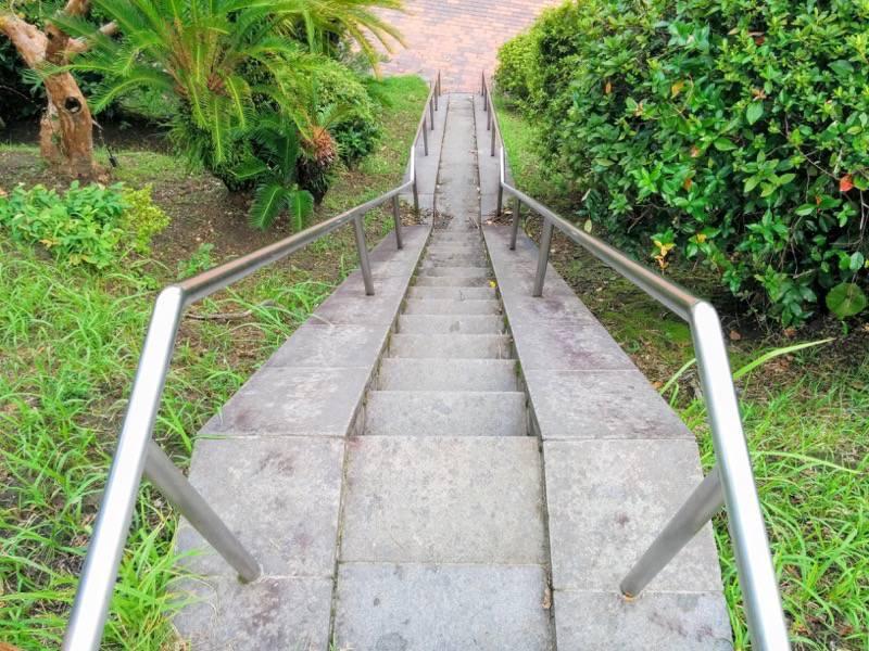 多賀山公園 東郷元帥像への階段