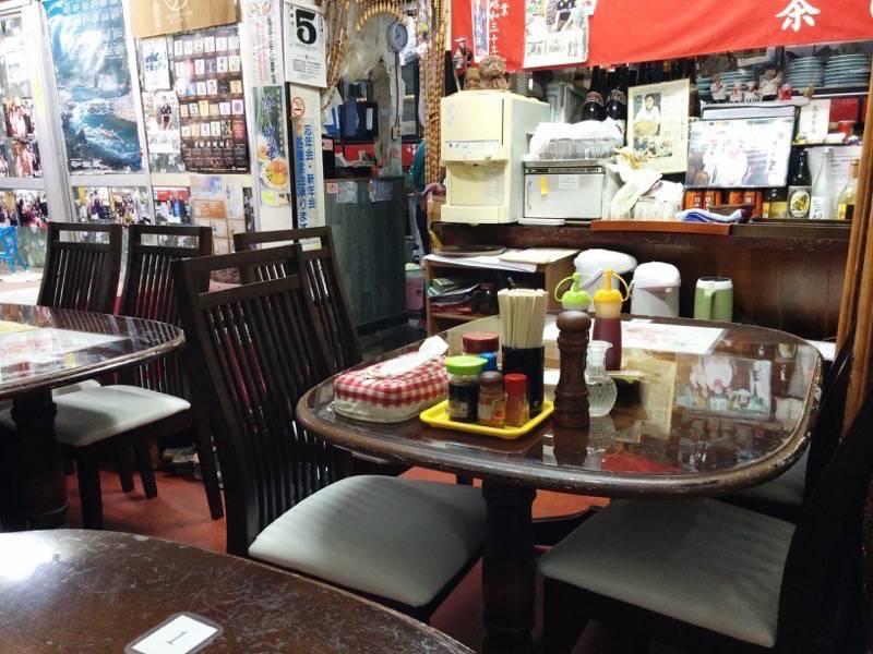 茶びん テーブル席