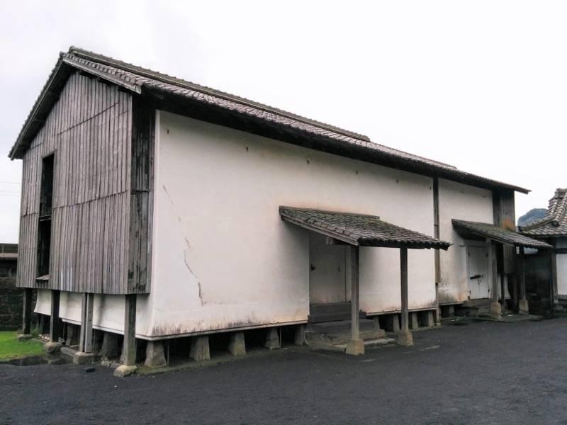 仙巌園 正門左手の倉