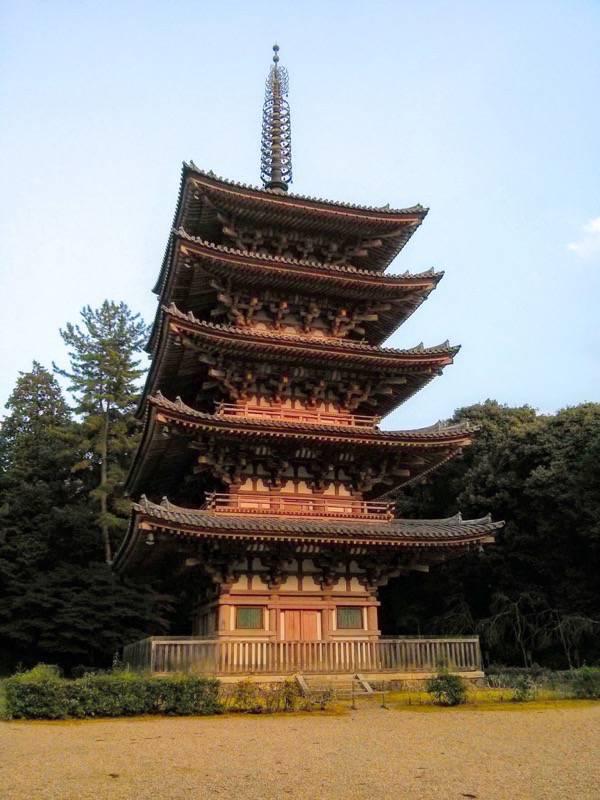 醍醐寺 五重塔縦2