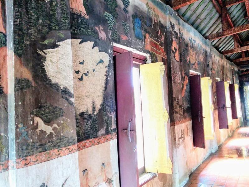 06本堂の中の壁画