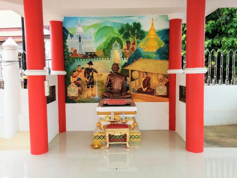 26お社の仏像