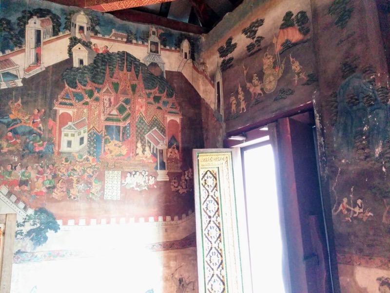 08本堂の中の壁画