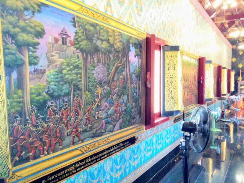 36拝殿横のお堂の絵