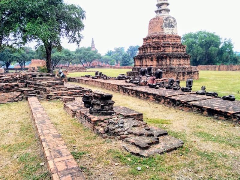 11基壇の仏像