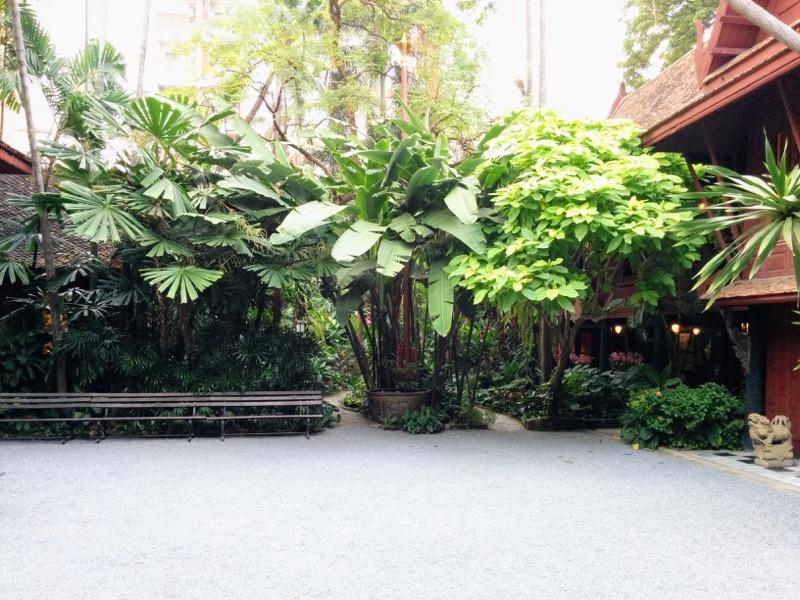 15庭の入口