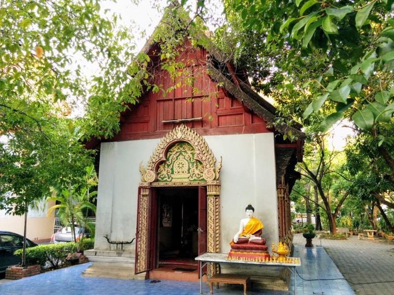 32涅槃像のお堂