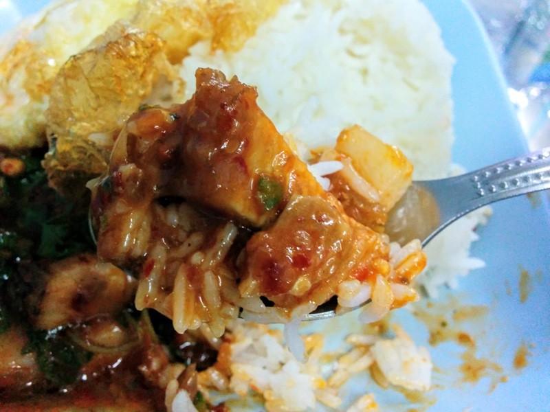 14豚肉とご飯