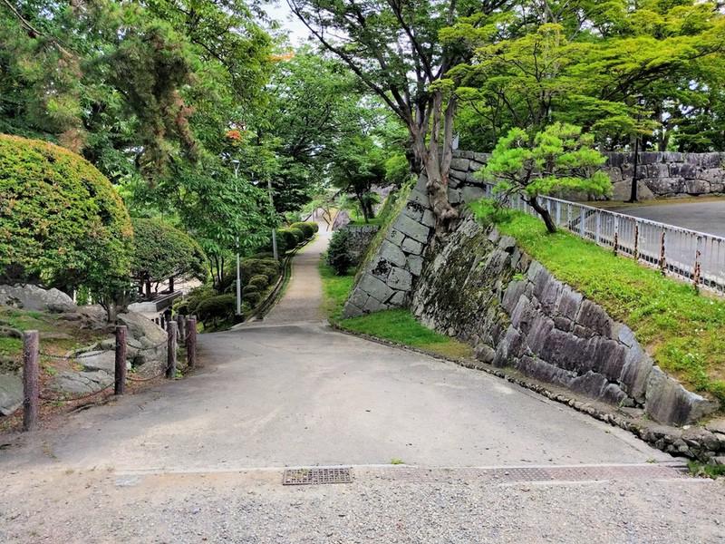 05二ノ丸の石垣