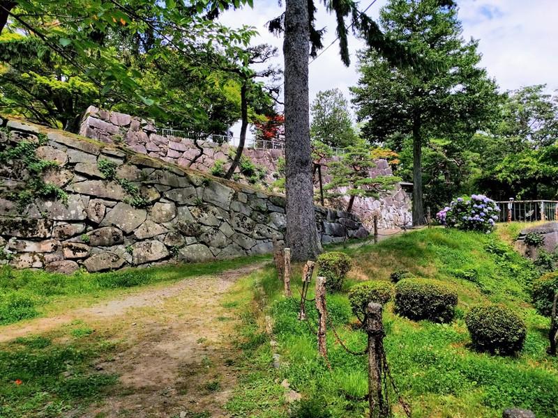 24本丸の石垣