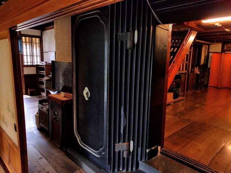 04内藏の扉