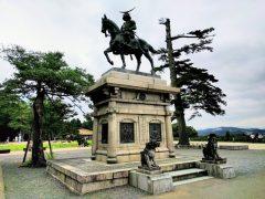 仙台城−伊達政宗像