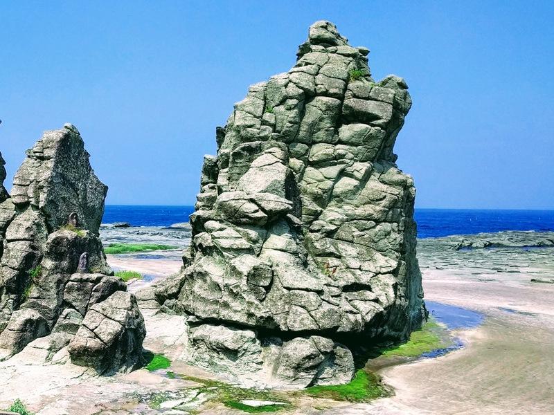 16千畳敷の大きな岩