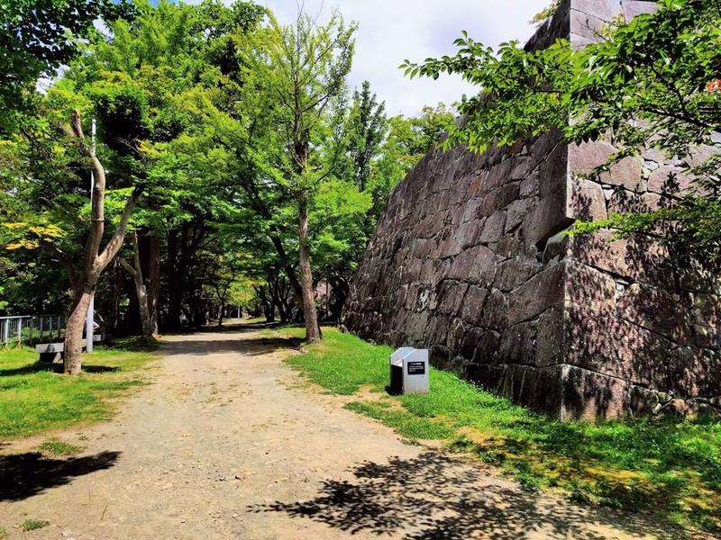 19本丸南西部の石垣
