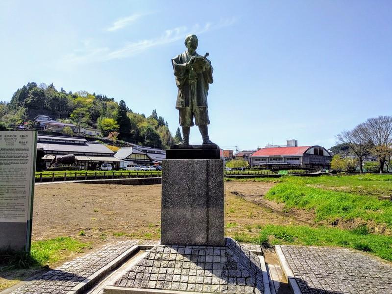03布田保之助翁銅像