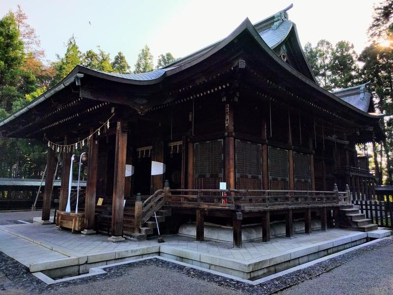 25上杉神社拝殿