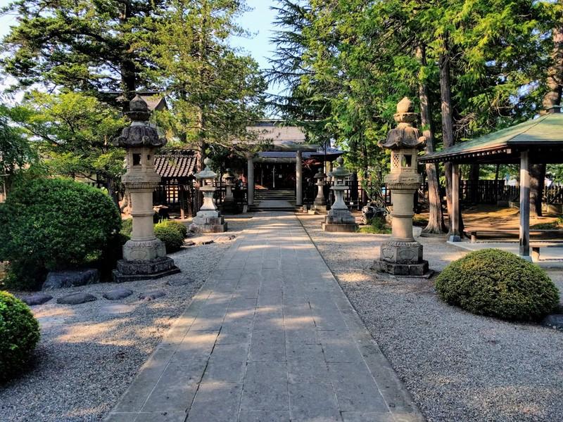 05松岬神社
