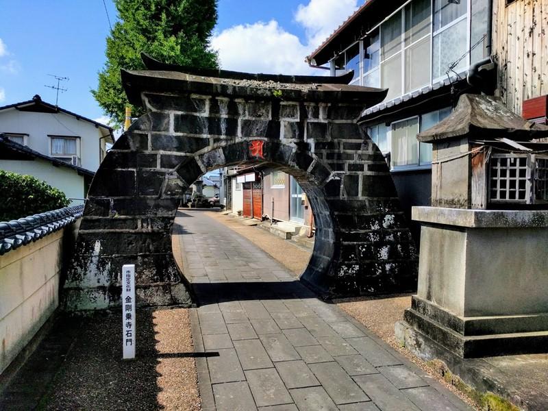 10金剛乗寺石門