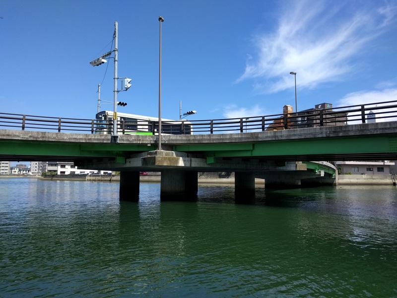 20橋の三差路