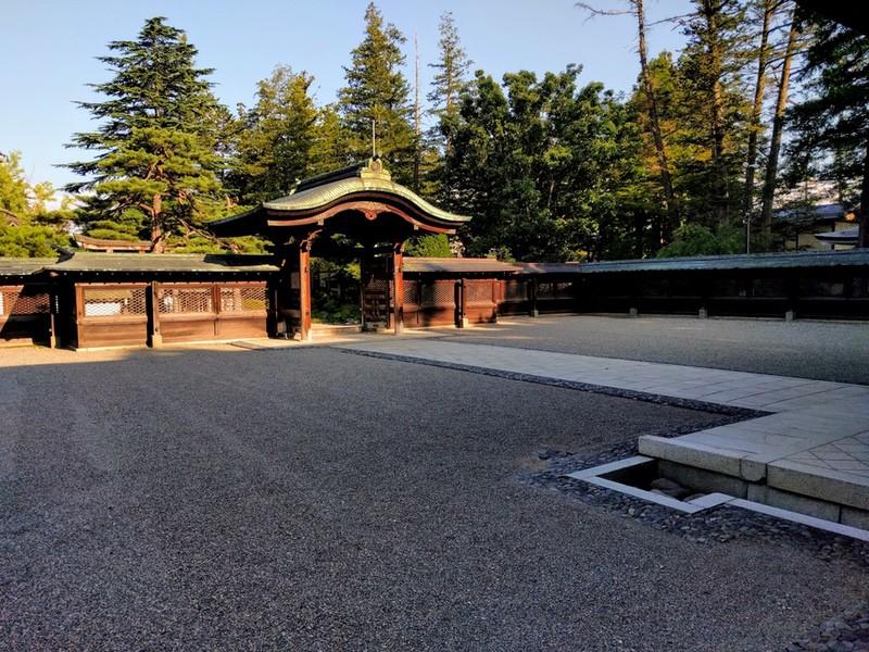 23上杉神社境内