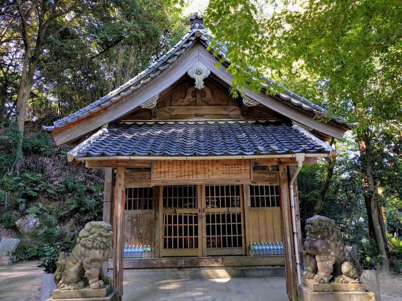 34荒穂神社拝殿