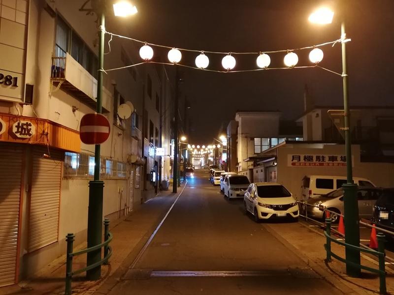 06夜の繁華街